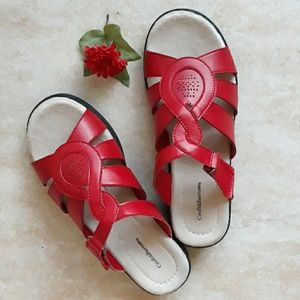 Croft & Barrow red sandals